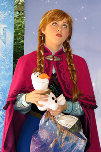 Anna and Elsa from Disney's FROZEN - First Public Meet & Greet Appearance photo 003